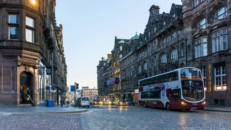 Driverless Britain: Concept of Edinburgh with a driverless passenger car